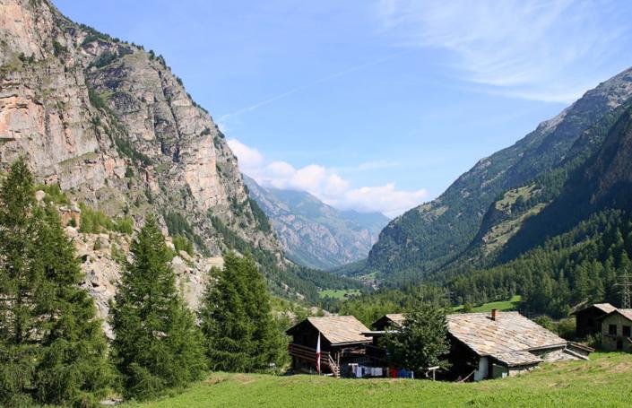 Unsere Berghütte ind den Alpen